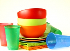 Geschirrspülen im Gewerbe: Kunststoff